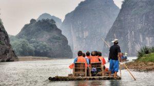 Floßbau als Teamevent Idee